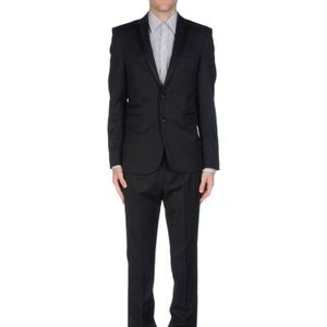 Karl Lagerfeld Slim Fitted Suit, Size 38